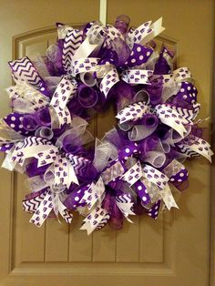 Curly deco mesh K-State wreath Christmas Mesh Wreaths, Easter Wreaths, Spring Wreaths, Summer Wreath, Wreath Crafts, Diy Wreath, Wreath Ideas, Diy Crafts, Purple Wreath