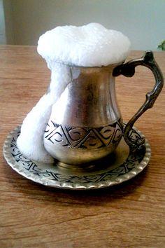Ayran Turkish Spices, Turkish Yogurt, Turkish Kitchen, Turkish Recipes, Italian Recipes, Cocoa, Turkish Breakfast, Non Alcoholic Drinks, Party Desserts
