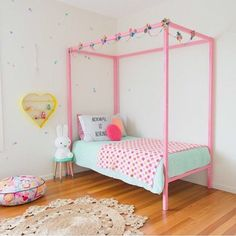 petite vintage interiors (mommo design: 8 SWEET GIRL'S ROOM)