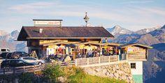 Schmackhaft, bodenständig und herzlich - so erlebte ich dieses gemütliche und familiär geführte Haus in den Zillertaler Alpen, direkt an der Zillertaler Höhenstrasse. Style At Home, Restaurant, Cabin, Mansions, House Styles, Home Decor, Alps, Cordial, House