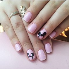 Nail art Christmas - the festive spirit on the nails. Over 70 creative ideas and tutorials - My Nails Disney Acrylic Nails, Cute Acrylic Nails, Cute Nails, Pretty Nails, My Nails, Minnie Mouse Nails, Mickey Mouse Nails, Disneyland Nails, Disney Nail Designs