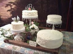 Cakes by Bekah - separated tier wedding cake