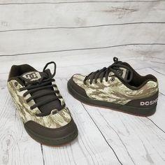 7ee6ad8d2 DC Shoes Mens Clocker SE Model Skateboarding Skater Sneakers Camo Green US9  EU42  DCShoes