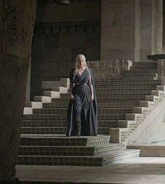 Daenerys Targaryen on Game of Thrones - Daenerys Targaryen Dress, Game Of Throne Daenerys, Khaleesi, Valar Dohaeris, Valar Morghulis, Emilia Clarke, The Mother Of Dragons, Got Costumes, Game Of Thrones Art