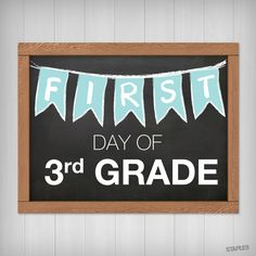 Printable sign for the first day of school! You've got all the supplies and are 110% ready for school. Now we'll get you ready for the 1st day of school picture! Just print this out.