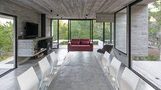 WEIN HOUSE : Modern dining room by Besonías Almeida arquitectos