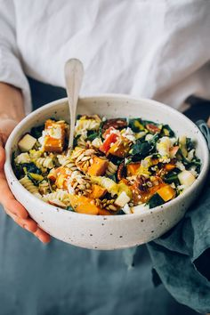 Get the most out of the harvest season by making a rich and nutritious vegetarian pasta salad. Roasted squash, creamy feta cheese and crunchy kale perfectly complement the gluten-free pasta, bathed in Dijon turmeric sauce. Vegetarian Pasta Salad, Vegetarian Recipes, Cooking Recipes, Healthy Recipes, Kale Pasta, Squash Pasta, Vegetarian Cooking, Vegetarian Meatballs, Healthy Pasta Salad