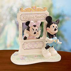 LENOX Figurines: Disney - Disney's Kisses for Mickey Figurine