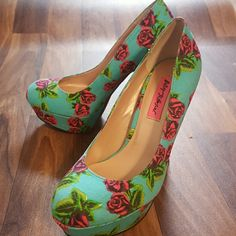 Beautiful Betsey Johnson floral platform heels! I bought these awesome heels here on Poshmark, but they are too small for me...so here they are!! These are 7.5. ..and are so so cute! Betsey Johnson Shoes Heels