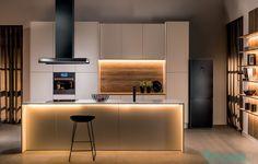 Nowoczesna kuchnia #kuchnia #nowoczesna #salon #kuchenny #aneks #inspiracje #pomysły  #salon #dom #mieszkanie #wnętrze #mieszkania #wnętrza #szafki #stół #szkło #drewno #kafelki #płytki #terakota #wodoodporny #piękna #aranżacje #projekty #aranżacja #projekt #pomysł #urządzanie  #kitchen #ideas #inspiration #house #big #villa #glamour #style #interior #project #architecture #design