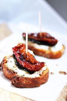 Tapas chèvre basilic et tomates séchées : la recette facile