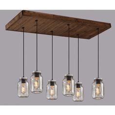 Luminaire suspendu sur base rectangle en bois avec 6 pots mason en verre clair. Sur fil noir ajustable en hauteur.