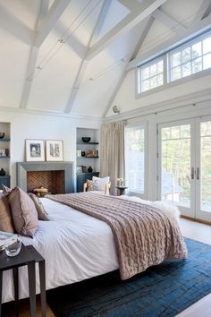 master bedroom like the windows at the top