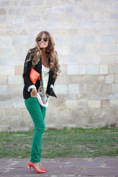 green skinny jeans , love this outfit. Green Skinnies, Green Skinny Jeans, Colored Skinny Jeans, Colored Denim, Skinny Legs, Pretty Outfits, Cute Outfits, Love Fashion, Fashion Outfits