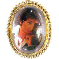 40x30mm Bob Dylan Magnified Pendant