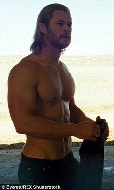 Chris Hemsworth Explains Why Thor Needs To Be Shirtless Hot Men, Sexy Men, Hot Guys, Sexy Guys, Chris Evans, Chris Pratt, Chris Hemsworth Thor Workout, New Thor Movie, Look At You