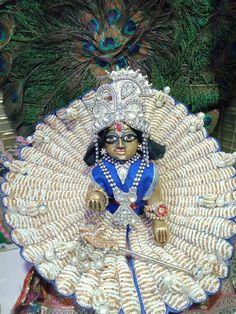 Laddu Gopal, Captain Hat, Fan, Club, Fashion, Moda, Fashion Styles, Hand Fan, Fashion Illustrations
