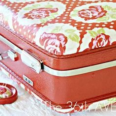 Mod Podge Suitcase {tutorial}Mod podge your old suitcase with this tutorial. Modern, bright fabric and spray paint help to enliven an old suitcase. Store mementos, fabric, blankets, even out-of-season clothes-anything you wish!View This Tutorial Vintage Suitcases, Vintage Luggage, Modge Podge Fabric, Paint Fabric, Just In Case, Fun Crafts, Diy Projects, Sewing Projects, Decoupage Furniture