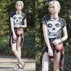 Elliott Alexzander - Misfits Tank, House Of Alexzander Daisy Necklace, House Of Alexzander Heart Shaped Clutch - Venom. Queer Fashion, Androgynous Fashion, Fashion 2020, Kids Photography Boys, Goth Look, Genderqueer, Cute Skirts, Cosplay, Beautiful People