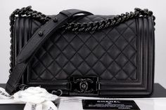 CHANEL 17S 'SO BLACK' IRIDESCENT CAVIAR BOY FLAP BAG BLACK HW – Jill's Fashion Base