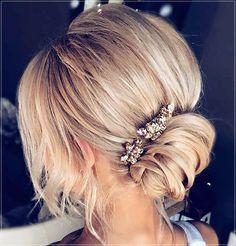 Short and medium hairstyles 2020: 150 beautiful ideas! Medium Short Hair, Very Short Hair, Short Straight Hair, Short Curly Hair, Medium Hair Styles, Curly Hair Styles, Elegant Hairstyles, Latest Hairstyles, Summer Hairstyles