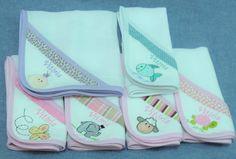 Fraldinhas de boca para o bebê, bordadas com motivos infantis à sua escolha e também pode ser personalizada com o nome do bebê.  Medida: 35x35cm  Fraldas com a qualidade CREMER  Padrão de tecido sujeito à disponibilidade