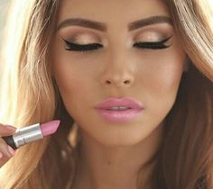 13 adorable golden eye makeup looks for 2019 – make up ideas – Famous Last Words Gorgeous Makeup, Pretty Makeup, Love Makeup, Perfect Makeup, Perfect Lips, Makeup Style, Mac Makeup Looks, Awesome Makeup, Glamorous Makeup