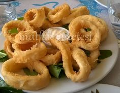 kalamar tava Greek Cooking, Cooking Time, Cooking Recipes, Turkish Recipes, Ethnic Recipes, Fish And Chicken, Food Safety, Onion Rings, Fish And Seafood