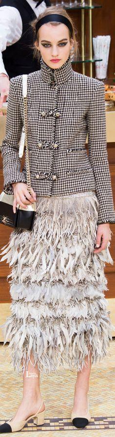 Chanel Fall Winter 2015-16 RTW Parisian Chic Lady