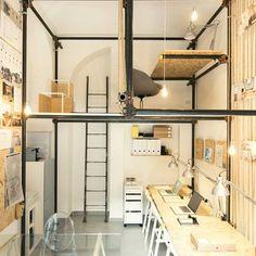 Le groupe d'architectes italiens R3architetti a réalisé un espace innovant : ils se sont aménagés de nouveaux bureaux originaux à Turin, au coeur du quartier Salvario San. ...