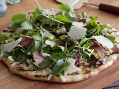 Pizza with NY Strip, Blue Cheese and Balsamic Glaze Recipe : Bobby Flay : Food Network - FoodNetwork.com