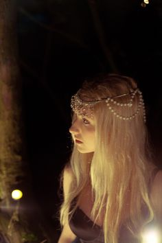 maybe Remi makes a headdress for Adelaide like this from a broken string of pearls