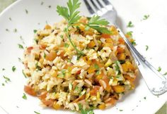 Dicas de pratos saudáveis e nutritivos são sempre bem-vindas, não é?! Por isso hoje trouxe a receita do Arroz Nutritivo para vocês não deixarem de fazer!