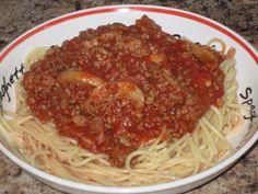 Sauce spaghetti aux 2 viandes de Diane Sauce Spaghetti, Sauce Tomate, Tomato Juice, Diane, Risotto, Nom Nom, Salsa, Pizza, Ethnic Recipes