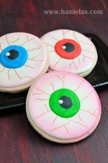 Scary Eyeball Cookies for Halloween