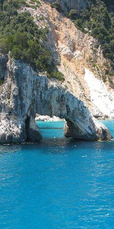 The amazing beach of Cala Luna, Italy 1 of 5 <3 beaches ==>http://www.my-piedmont.com