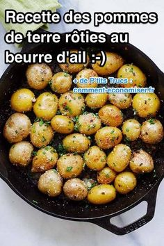 Easy and Inexpensive: The Recipe for Roasted Potatoes with Garlic Butter and Chives. - cheap recipe of roasted potatoes in the oven with butter, garlic, chives and parmesan - Cold Lunch Recipes, Cold Lunches, Roasted Potato Recipes, Roasted Potatoes, Cheap Meals, Easy Meals, Parmesan, Cake Factory, Balsamic Beef