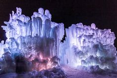 Ice Castles - Edmonton, Alberta, Canada (Photo - Ice Castles, LLC) / Taking on Winter in Edmonton - PratesiLiving.com