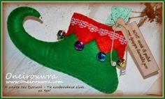 Τσόχινο παπούτσι ξωτικού με ξύλινο μήνυμα. Christmas Stockings, Christmas Ornaments, Holiday Decor, Home Decor, Needlepoint Christmas Stockings, Decoration Home, Room Decor, Christmas Jewelry, Christmas Leggings