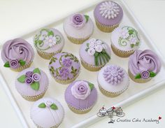 Feature Celebration Cupcakes (The Creative Cake Academy) Cupcakes Design, Cupcakes Lindos, Tolle Cupcakes, Cupcakes Flores, Purple Cupcakes, Pretty Cupcakes, Beautiful Cupcakes, Flower Cupcakes, Cupcake Cookies