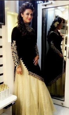 15 iconic looks of Divyanka Tripathi that will give you style goals Pakistani Dress Design, Pakistani Dresses, Indian Dresses, Indian Outfits, Party Wear Dresses, Dress Outfits, Fashion Dresses, Hijab Fashion, Fasion