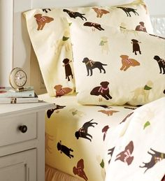 Flannel Labrador Lovers Sheets Are Almost as Soft as Your Dog!  ... from PetsLady.com ... The FUN site for Animal Lovers
