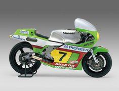 常に挑戦し続ける、カワサキ。その証である、誇り高きライムグリーンのマシン達。【1980~ KR500】 - LAWRENCE - Motorcycle x Cars + α = Your Life.