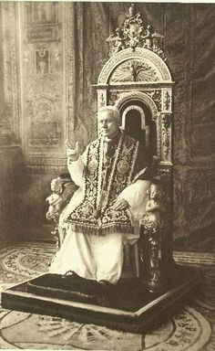 St. Pius X on frequent Communion  In a darkening world, more needed than ever! http://corjesusacratissimum.org/2013/11/pope-st-pius-x-on-holy-communion-frequent-and-daily/