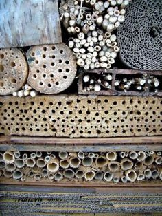 A beautiful Bug hotel to help beneficial insects and pollinators. Patterns In Nature, Textures Patterns, Color Patterns, Texture Metal, Texture Art, Visual Texture, Bug Hotel, Textiles, Surface Pattern