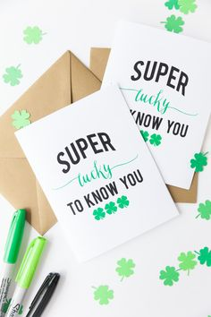 I can't wait to pop these in the mail later this week! I love sending happy mail! (Free St PAtrick's Day Printable)