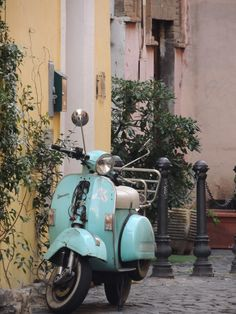 Trastevere, Roma 2014. So beautiful place, in an wonderful country. Vespa !