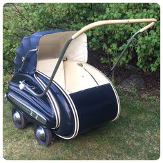 Baby Transport, Vintage Pram, Baby Prams, Baby Supplies, Barbie Accessories, Baby Carriage, Baby Safe, Types Of Fashion Styles, Kids And Parenting