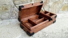 Diy Projects To Try, Wood Projects, Woodworking Projects, Wooden Watch Box, Wood Watch, Mens Valet Tray, Steampunk Furniture, Wooden Man, Got Wood