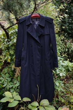 Navy Burberry Trenchcoat - the classic Burberry Trenchcoat, All Star, Personal Style, Good Things, Navy, Classic, Jackets, Fashion, Hale Navy
